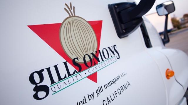 gills_onions_truck_small.jpg